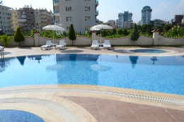 Bay Apartment in Mahmutlar for sale